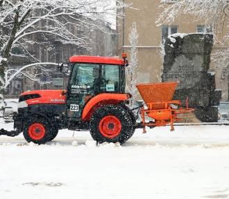 Śnieg i marznące opady w sobotę w regionie. Ostrzeżenie IMGW