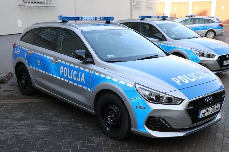 Bielsk Podlaski: Policja otrzymała nowe radiowozy. Dzisiaj zostały poświęcone i przekazane policjantom [ZDJĘCIA]