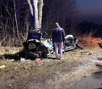 Śmiertelny wypadek w Bobrowie. Dwie osoby zginęły na miejscu