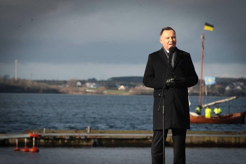 Zaślubiny Polski z morzem (2020): Prezydent Andrzej Duda wygwizdany w porcie w Pucku