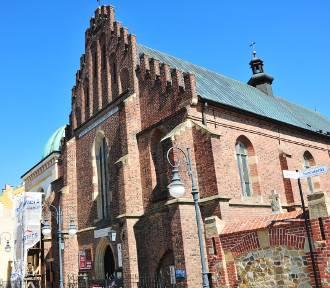 Dwaj młodzi krośnianie kradli pieniądze ze skarbonek w kościołach na Starówce