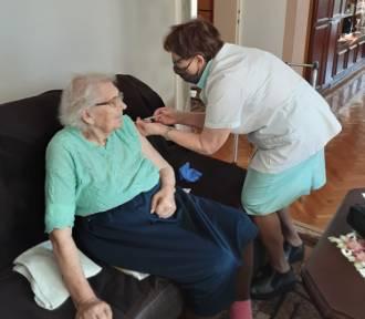 Od dziś szczepienia seniorów. Niektórzy mogli zaszczepić się poza kolejnością