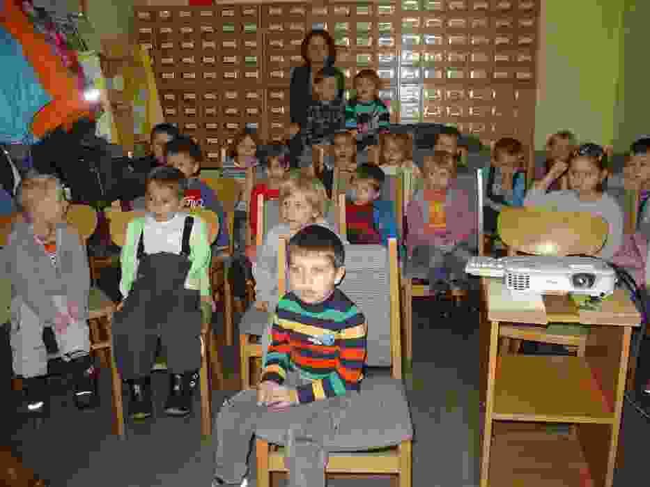 Ferie w bibliotece pedagogicznej. W roli głównej Kubuś Puchatek