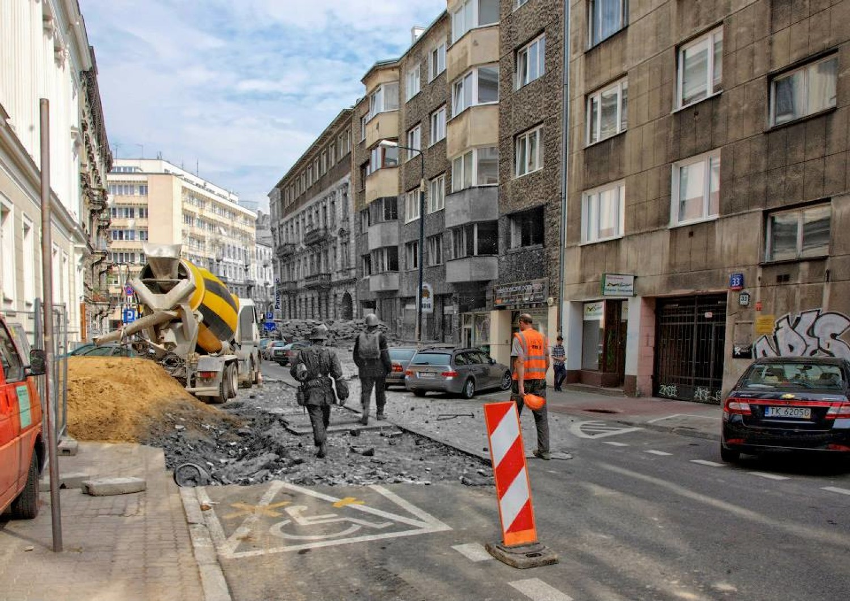 Przepiękny album - Dzisiejsza Warszawa z Powstańcami w tle [ZDJĘCIA]