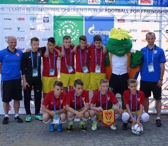 Football for Friendship. Młodzi piłkarze z trzech kontynentów rywalizowali ze sobą w sercu Mediolanu