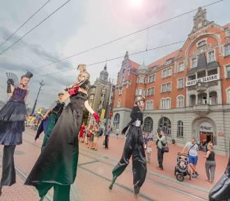 W niedzielę Inwazja Sztukmistrzów na rynku. Będą akrobaci, cyrkowcy i żonglerzy PROGRAM