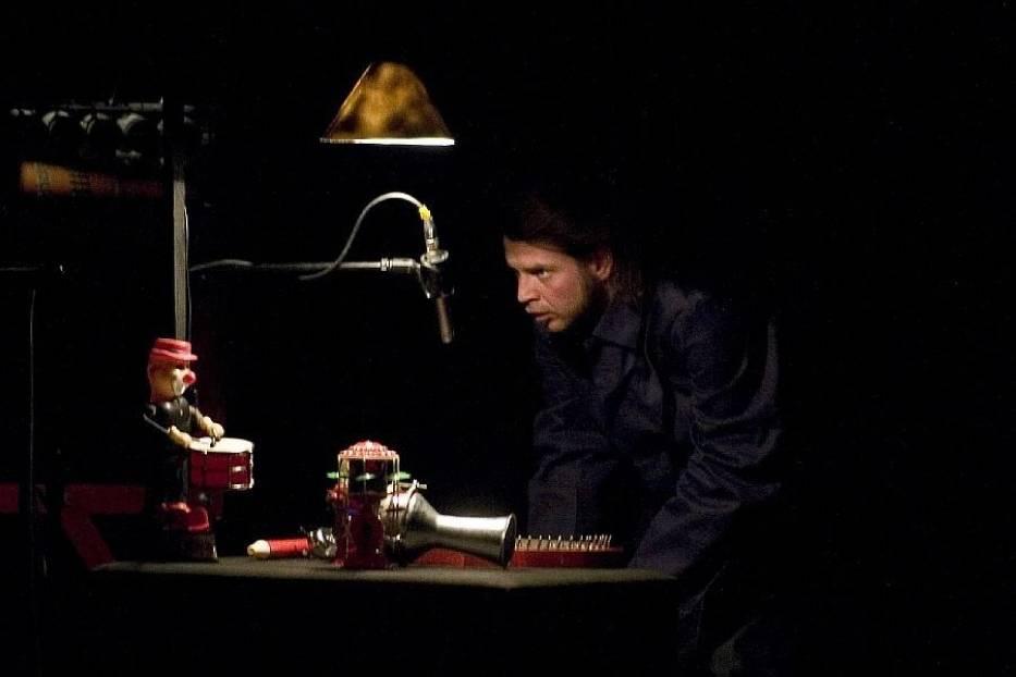 """""""Elektrownia Dźwięku"""" to spektakl o przetwarzaniu dźwięków w światło"""