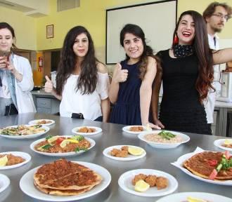 Studenci PWSW w Przemyślu pokazali jak gotują [FOTO]