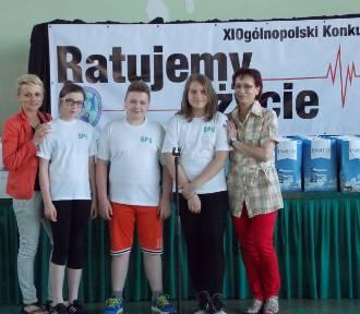 """Uczniowie z """"szóstki"""" wyróżnieni w konkursie """"Ratujemy życie"""""""