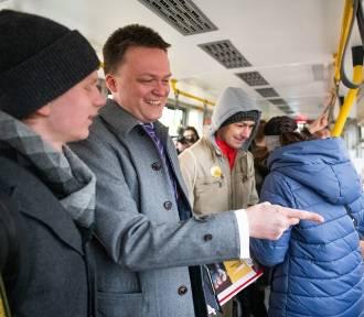 Szymon Hołownia w poznańskim tramwaju. Co robił? [ZDJĘCIA]