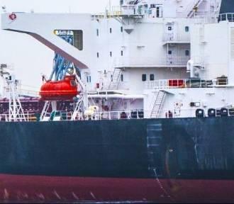 Ropa z Iranu trafia do Gdańska [ZDJĘCIA] W jeden dzień rozładowali 130 tys. ton paliwa