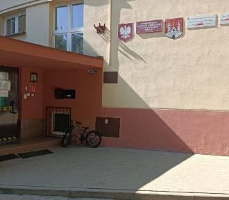 Problem z miejscami parkingowymi przy Przedszkolu nr 33 w Płocku. [AKTUALIZACJA]