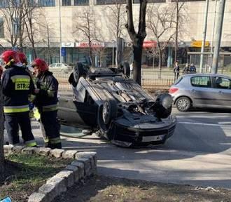Wrocław. Groźnie wyglądający wypadek na ul. Powstańców Śląskich
