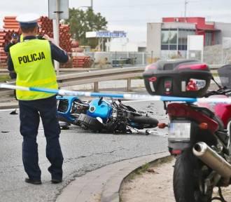 Wypadek na trasie Oleśnica - Wrocław. Nie żyje 25-letni motocyklista. Są utrudnienia! (ZDJĘCIA)