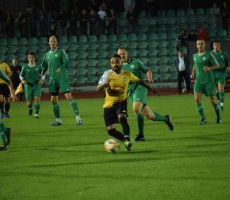 Marlon tańczy z piłką w barwach Pomezanii