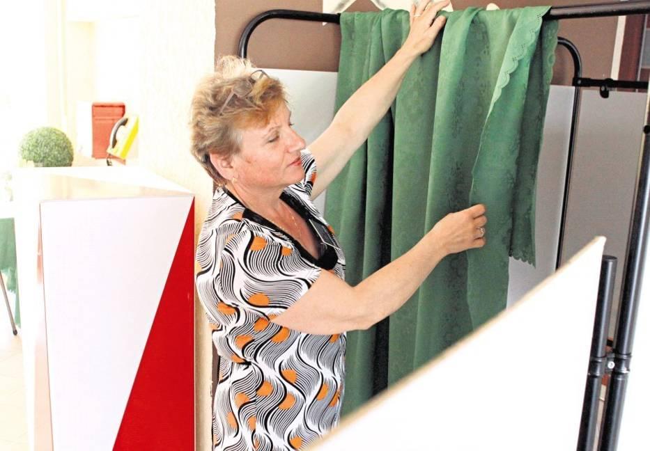 W lokalach wyborczych trwają ostatnie przygotowania do niedzieli wyborczej