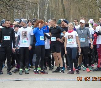 Blisko 300 osób pobiegło w Biegu Tropem Wilczym w Jaworznie