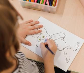 Twój przedszkolak się nudzi? Oto gotowe pomysły na zabawy, które dzieci wprost pokochają!