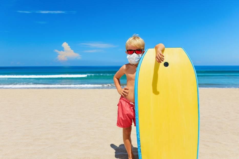 Kolonie i obozy 2020: Uczestnicy będą musieli przestrzegać szczegółowo określonych zasad także na stołówce oraz na plażach i kąpieliskach