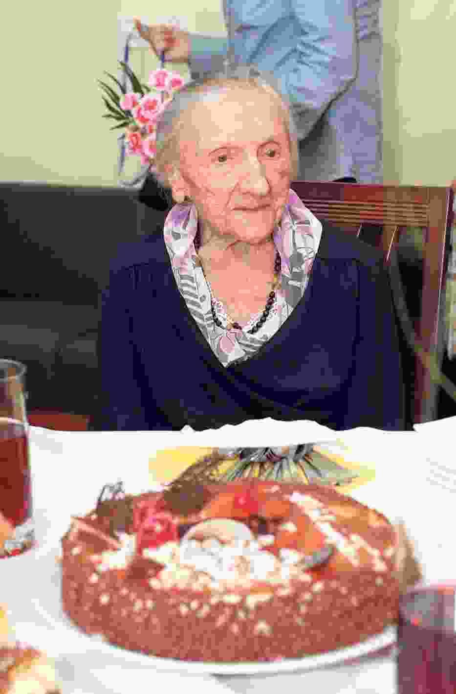 Na urodzinowym przyjęciu nie mogło zabraknąć tortu