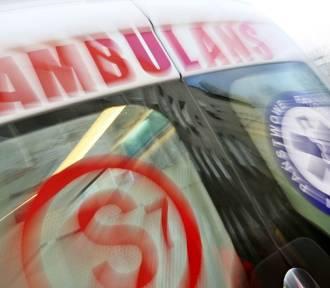 Wypadek w Krakowie. Nastolatka przebiegała na czerwonym świetle, wpadła pod auto