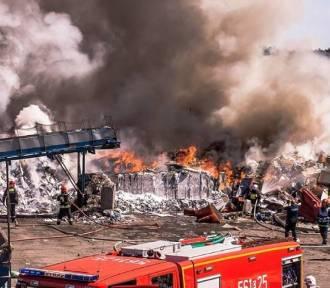 Trzy pożary śmieci w kwietniu. Prokuratura zbada sprawę