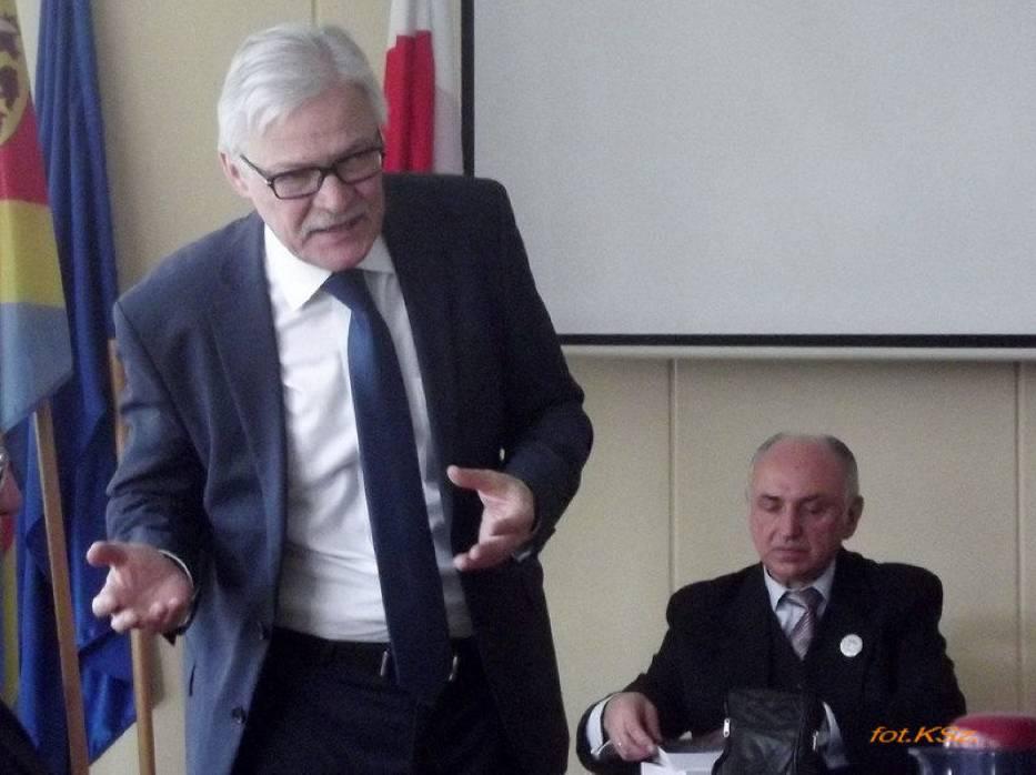 Zebrali się  Słuchacze Kujawsko-Dobrzyńskiego Uniwersytetu Trzeciego Wieku w Radziejowie, którzy z dużym zainteresowaniem wysłuchali wykładu