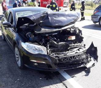 Trzetrzewina wypadek. Na DK28 zderzyły się dwa samochody. Jedna osoba jest ranna