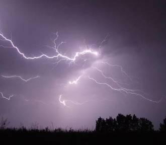 Burze i duże opady deszczu na terenie całego województwa!