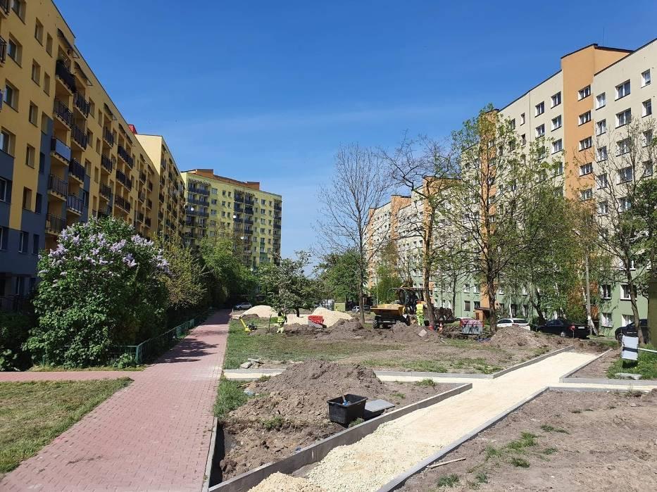 W Dąbrowie Górniczej na osiedlu Mydlice powstaje park kieszonkowy, a na os. Kasprzaka będą nowe miejsca parkingowe
