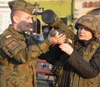 """Piknik wojskowy  """"Służymy Niepodległej"""" na Nowym Rynku w Łowiczu [ZDJĘCIA]"""