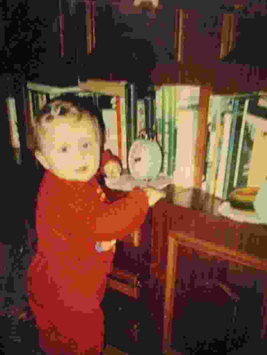 Ulubione miejsce w pokoju - półka z książkami, od zawsze :)