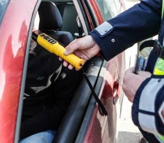 Pijani, bez prawa jazdy, a do tego bez ubezpieczenia pojazdu