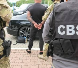 Nasi policjanci w akcji! Oto nietypowe i brawurowe akcje funkcjonariuszy z regionu [ZDJĘCIA,