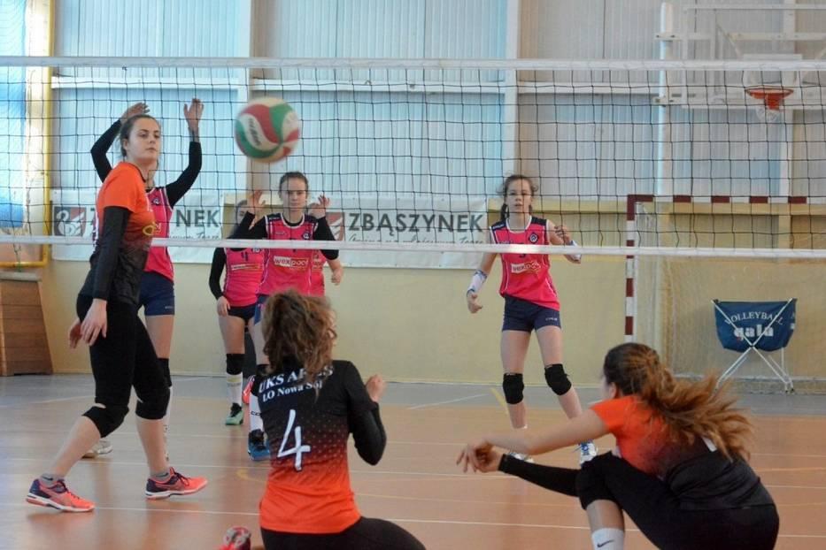 Finał o Mistrzostwo Lubuskiej Ligi Kadetek w Piłce Siatkowej w Zbąszynku (Fotorelacja z pierwszego dnia zawodów)