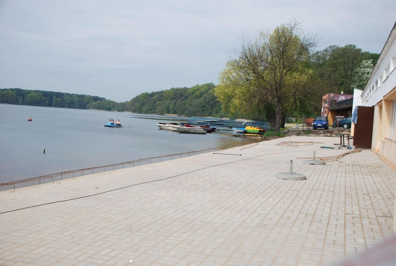 Pomiędzy jeziorami