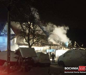 Stary Wiśnicz. Potężny pożar warsztatu i domu, straty to 700 tys. zł
