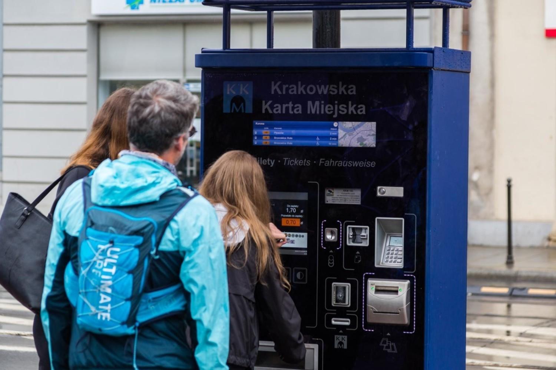 Rada miasta Krakowa podwyżkę cen biletów na komunikację miejską uchwaliła w połowie listopada