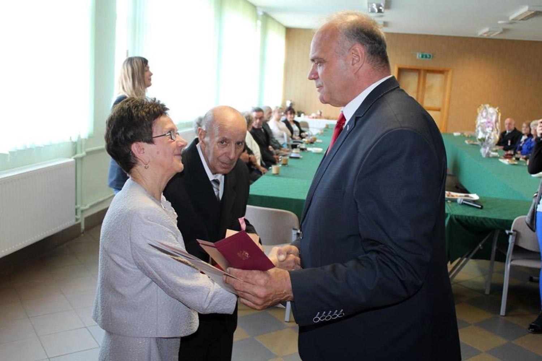 Medale za Długoletnie Pożycie Małżeńskie dla 9 małżeństw w Lipce [ZDJĘCIA]