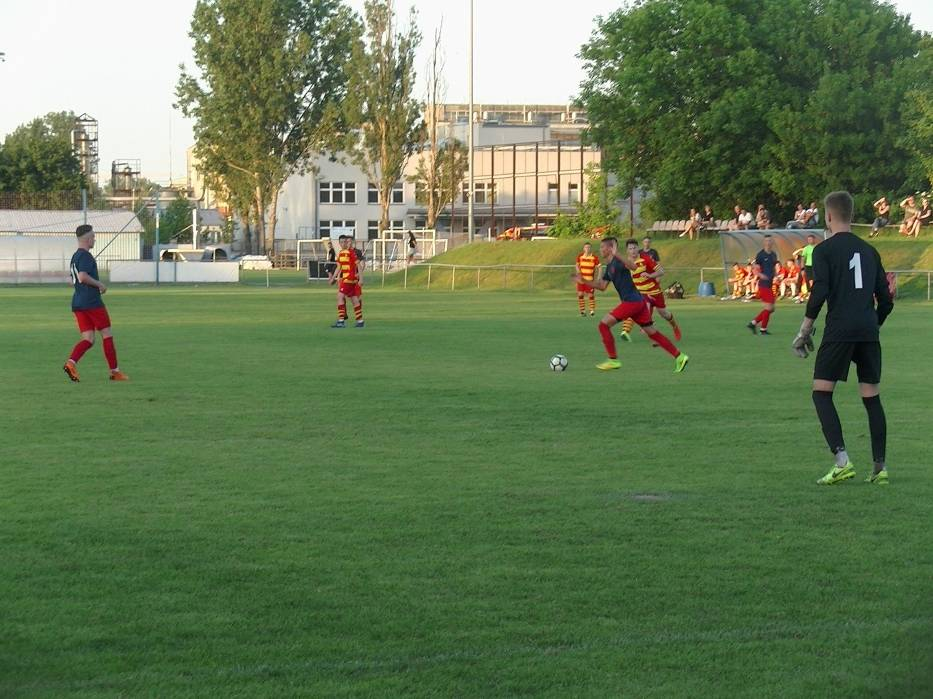 Krok od mistrzostwa, Escola kończy sezon na drugim miejscu