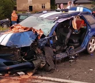 Wypadek w Stradomi Wierzchniej. Cztery osoby poszkodowane [ZDJĘCIA i FILMY]