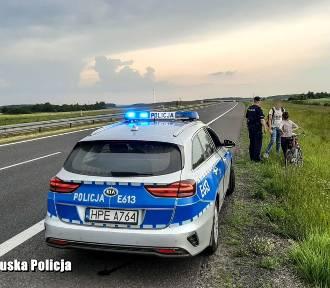Policja zatrzymała rowerzystów na drodze ekspresowej S3