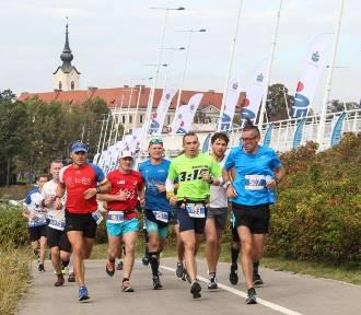 Polacy wygrali  6. PKO Maraton Rzeszowski. Pomoc dla 6-letniej Gabrysi
