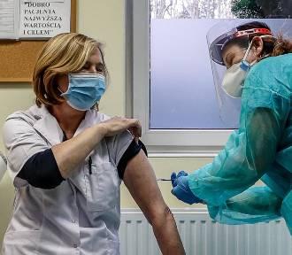 Zmiana w programie szczepień! Najpierw seniorzy powyżej 80. roku życia