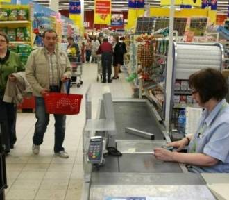 Będą dwie niedziele handlowe, bo PiS traci wyborców?
