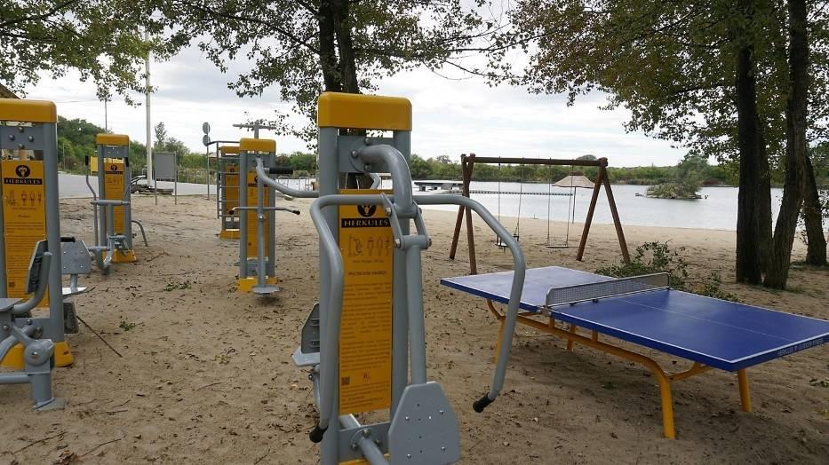 Na terenie Opola dostępne są już kolejne siłownie plenerowe: na terenie rekreacyjnym za kościołem w Nowej Wsi Królewskiej oraz przy plaży kąpieliska Bolko