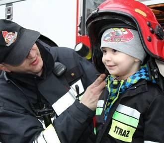 Wizyta strażaków z JRG Złotów u Krystianka Rutkowskiego i jego przyjaciół [FOTO, WIDEO]
