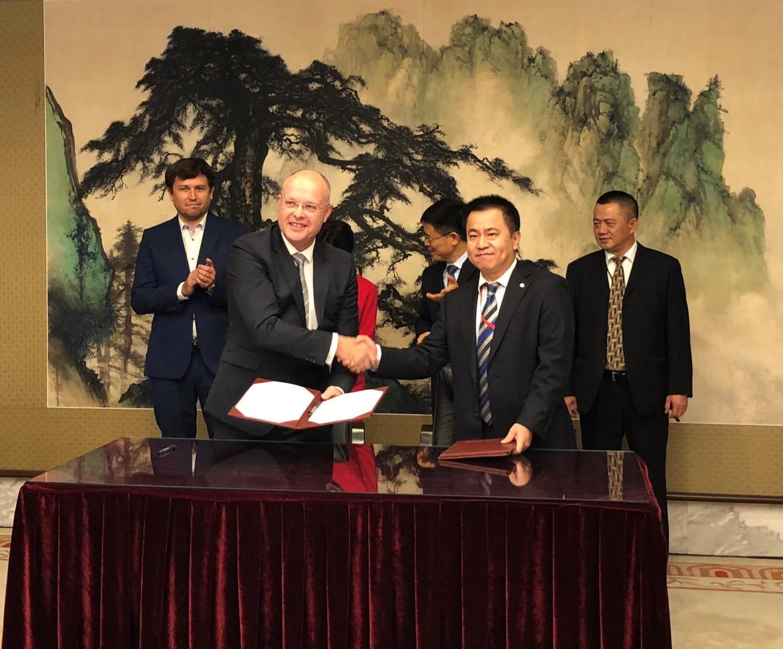 Ptak Warsaw Expo podpisało umowę z gigantem z Chin. To ważny krok dla polskich przedsiębiorców