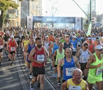 Poznań Maraton 2018 rozpoczęty! Tak wyglądał start biegu