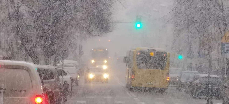 Uwaga! Na śląskich drogach mogą występować oblodzenia - ostrzega IMGW